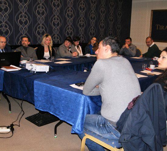 Tryezë diskutimi me përfaqësues të Këshillit Bashkiak dhe ekspertë të fushës, 1 Dhjetor 2017