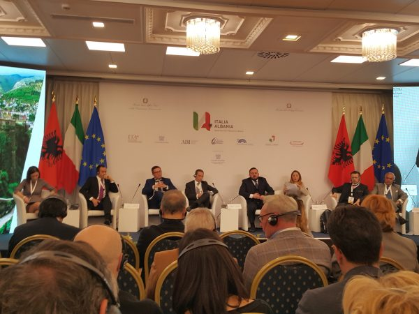 1. first italy-albania trade mission kicks 2. first italy-albania trade mission 3. italy-albania trade mission kicks 4. italy-albania trade mission 5. mission kicks off in tirana