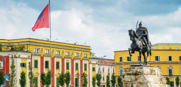 EBRD strengthens cooperation with Intesa Sanpaolo Bank Albania